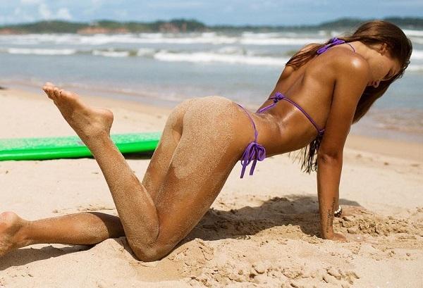 Вики Одинцова представила новую фотосессию в бикини и выступила в роли наездницы