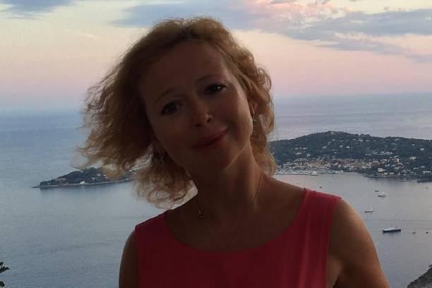 Елена Захарова рассказала, как смогла пережить смерть маленькой дочери