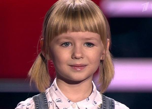 7-летняя Ярослава Дегтярёва с песней Кукушка покоряет Интернет