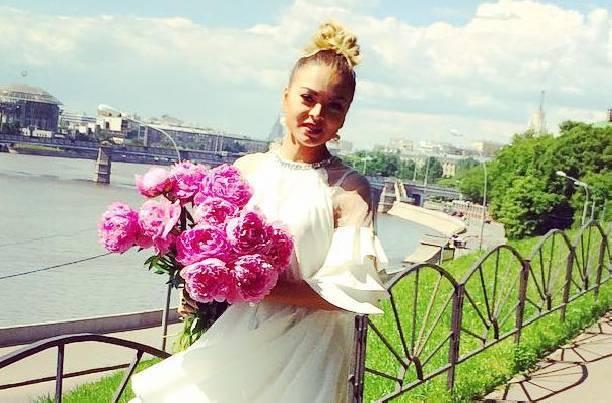 Оксана Казакова приняла решение развестись с мужем