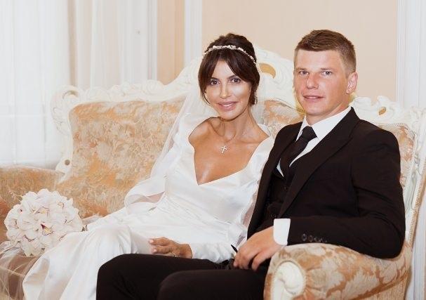 Андрей Аршавин женился на Алисе Казьминой, ради которой бросил Барановскую и троих детей