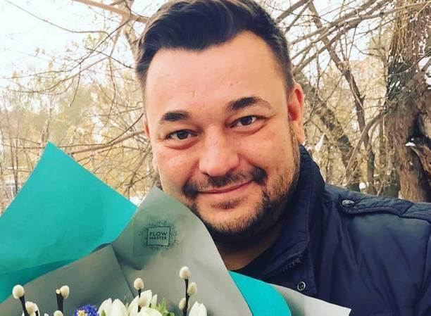 Сергей Жуков с братом выпустил склизкую песню про девушек