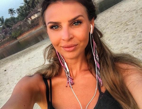 Элла Суханова поразила худосочной фигурой