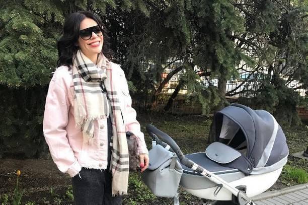 Анастасия Стоцкая через несколько дней после выписки из роддома вышла в свет