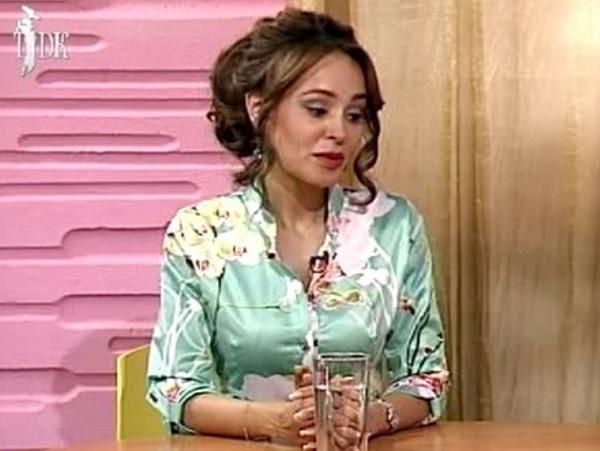 На съемках нового клипа Анна Калашникова сверкала обручальным кольцом
