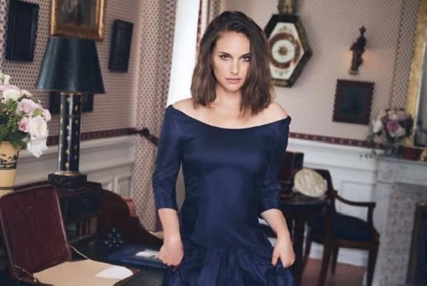 Натали Портман в бархатном платье восхитила своим внешним видом