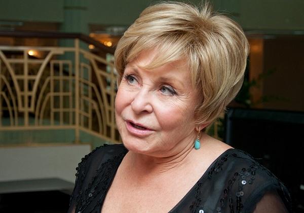 Ангелина Вовк поразила новым лицом на передаче Андрея Малахова