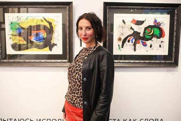 50-летняя Алика Смехова продемонстрировала стройную фигуру