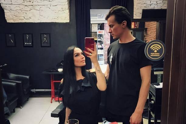 Избранник Алены Водонаевой раскрыл причины скорой свадьбы