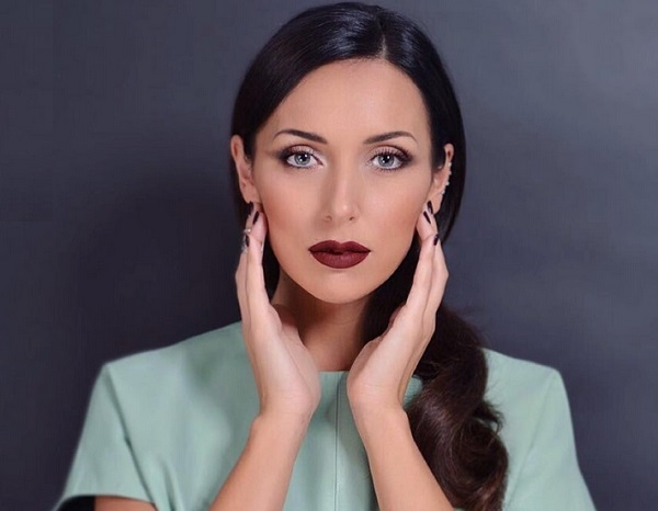 Певица Алсу представила странное название своей группы ВКонтакте