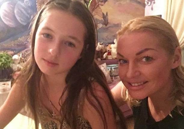 Дочку Анастасии Волочковой осудили за жестокое обращение с животными