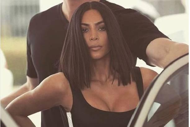 Ким Кардашьян поразила необычным цветом волос
