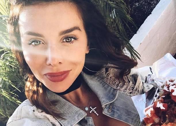 Грудь беременной Анны Седоковой стала необъятных размеров