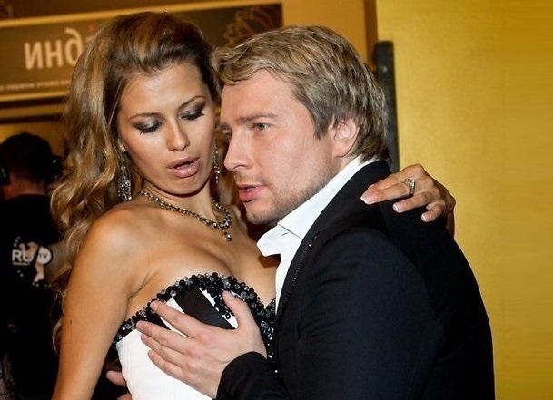 В сети опубликованы скандальные фотографии Виктории Боня и Николая Баскова