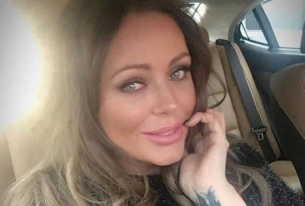 Юлия Началова перестала прятать изуродованные болезнью руки