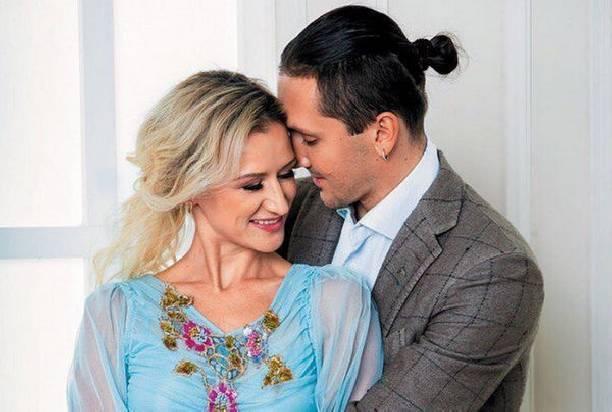 Максим Траньков очень переживает за супругу с дочкой