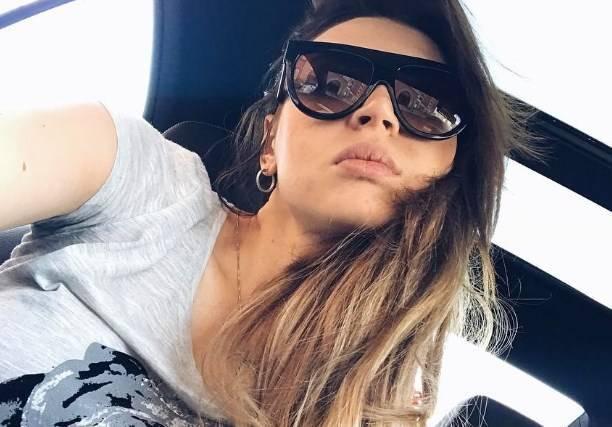 Элла Суханова впервые после операции показала соски
