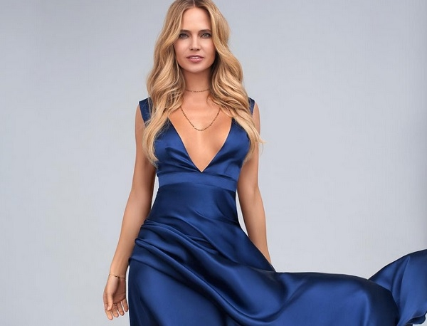 Наташа Ионова (Глюкоза) надела совершенно прозрачное платье