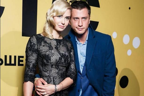 Агата Муцениеце делится романтичными снимками с супругом после слухов о разводе