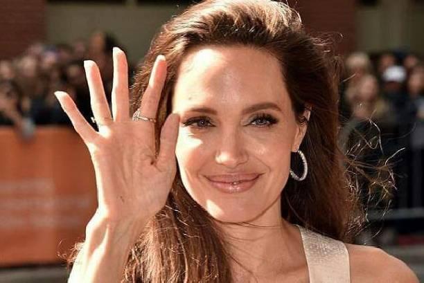 Анджелина Джоли чересчур увлеклась похудением