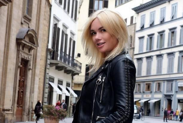 Анастасия Трегубова оставила новорожденную дочь ради работы