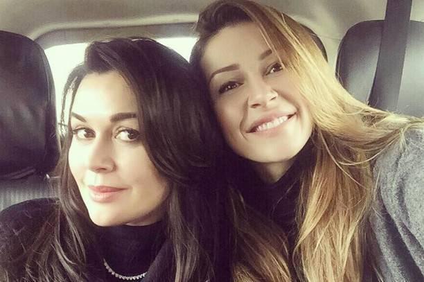 Анастасия Заворотнюк впервые прокомментировала замужество дочери