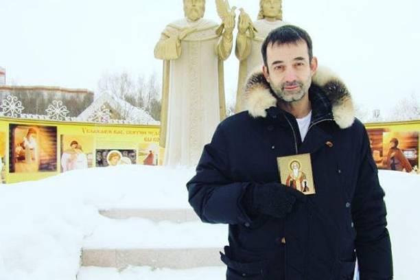 Дмитрий Певцов винит себя в том, что долгое время не признавал сына