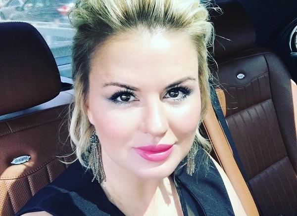 Анна Семенович рассказала, в чём секрет её большой груди