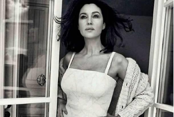 Моника Белуччи блеснула на обложке глянцевого издания