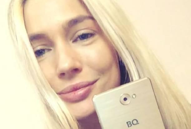 Наталья Рудова сделала селфи с унитазом