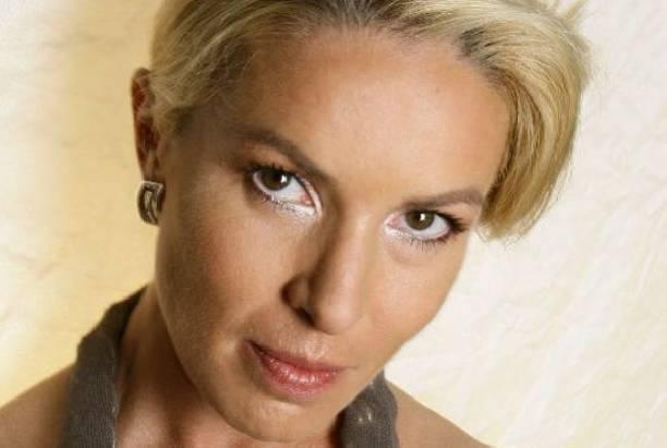 Ирина Лобачева тайно сыграла свадьбу с молодым избранником