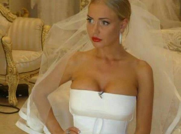 Маша Малиновская изменила цвет волос и сделала пластику носа