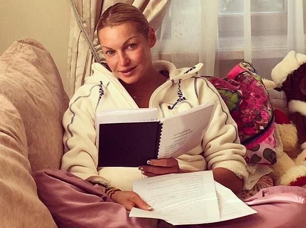 Анастасия Волочкова позвала всех на выборы