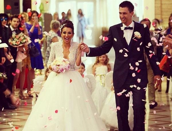 В сети появилось фото и видео свадебного танца Анны Грачевской и Артёма Кузякина