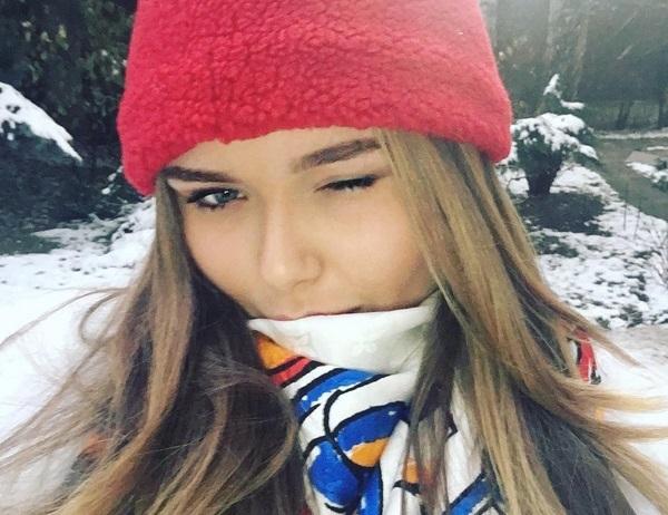Стефания Маликова увеличила губы