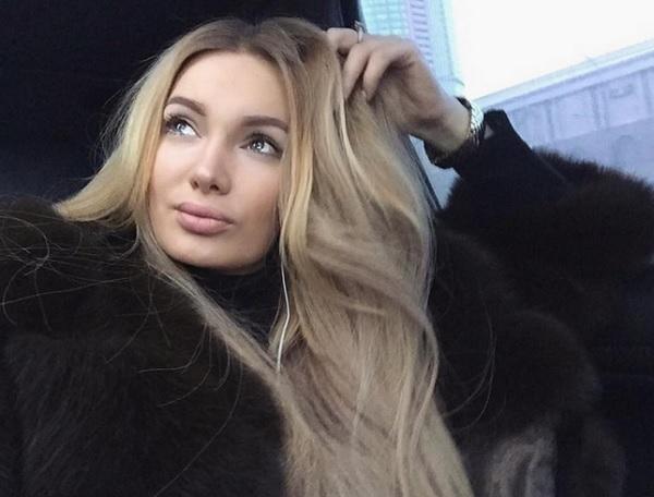 Евгения Феофилактова-Гусева показала красивый снимок в нижнем белье