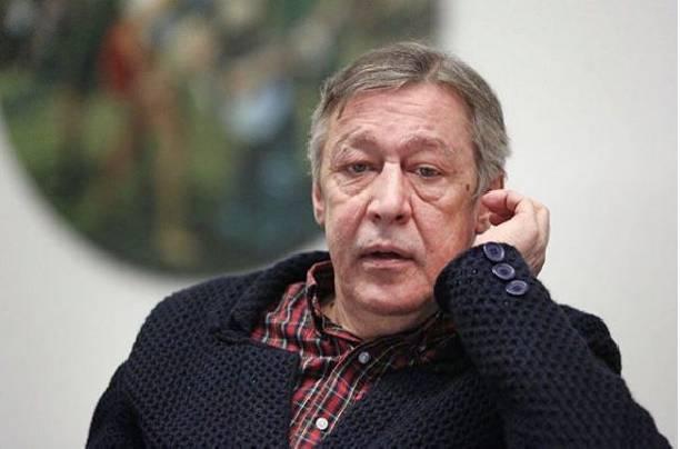 Супруга Михаила Ефремова встала на его защиту после пьяных выходок мужа