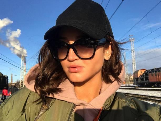 Ольга Бузова навсю страну сообщила опредательстве мужа