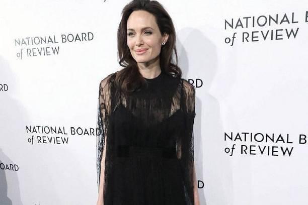 Дочери Анджелины Джоли понадобилась срочная помощь врачей