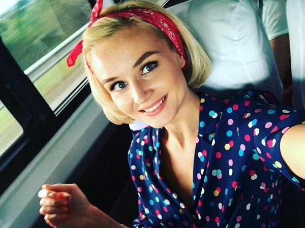 Полина Гагарина украсила обложку самого популярного женского журнала