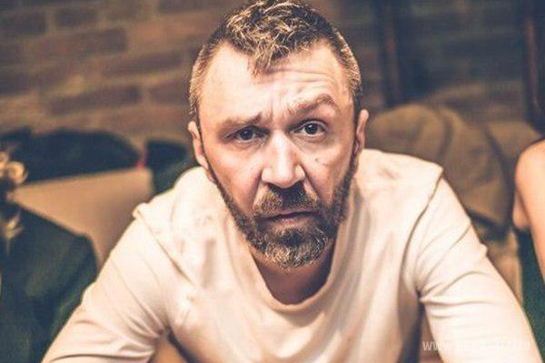 Сергей Шнуров шокировал жену секс-костюмом