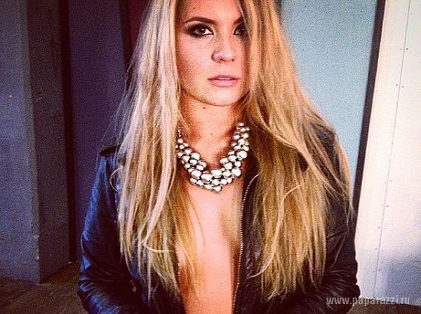 Анна Шульгина снялась для мужского журнала Maxim, несмотря на запрет мамы Валерии