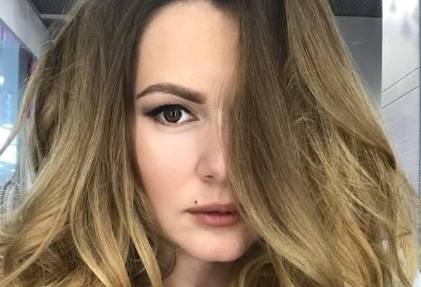 После публикации фото мужа, беременная Мария Кожевникова ужаснула синяками на лице