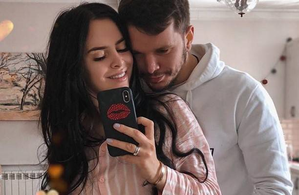Виктория Романец решила показать пенис Антона Гусева