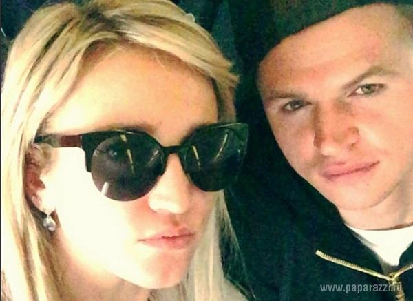 Стало известно,  какая болезнь мешала Ольге Бузовой родить ребенка Дмитрию Тарасову