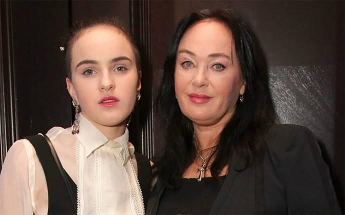 «Джокер недоделанный»: в сети обсуждают странную фотосессию дочери Ларисы Гузеевой