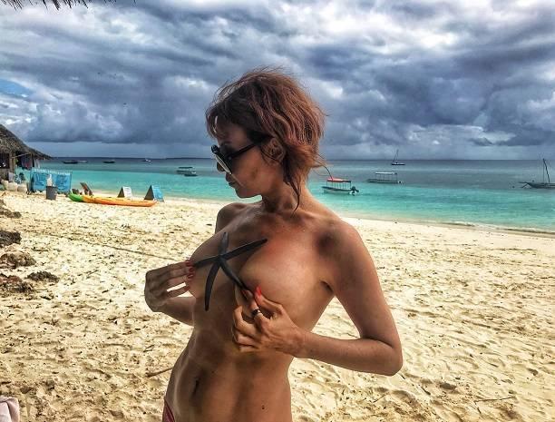Наталья Штурм обнародовала фотографии обнаженных российских певиц...