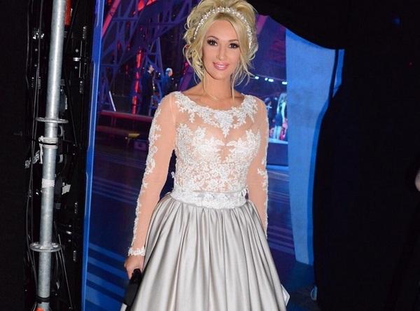 Лера кудрявцева фото платья