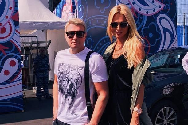 Николай Басков и Виктория Лопырева устроили романтический отдых в Баку