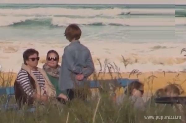 Жанна Фриске отмечает День рождения прогулками по пляжу